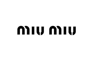 女装 logo