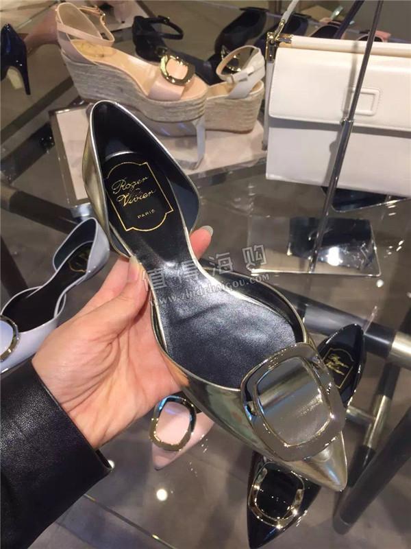 Roger Vivier 2016年新款女鞋 平底鞋 RV专柜代购 是今年的最新款噢